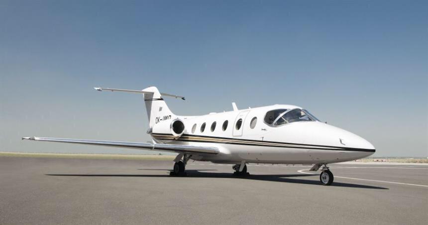 VIP at Barcelona - private Jet - Beechjet 400A Jet 2